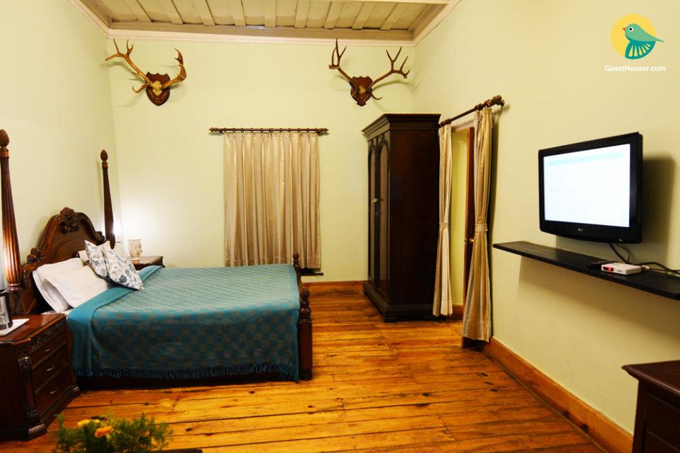 Species  1 Bedroom suite in luxury property
