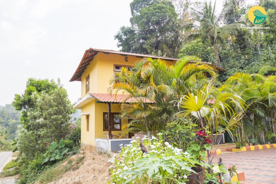 Single room in a vibrant cottage with a beautiful garden