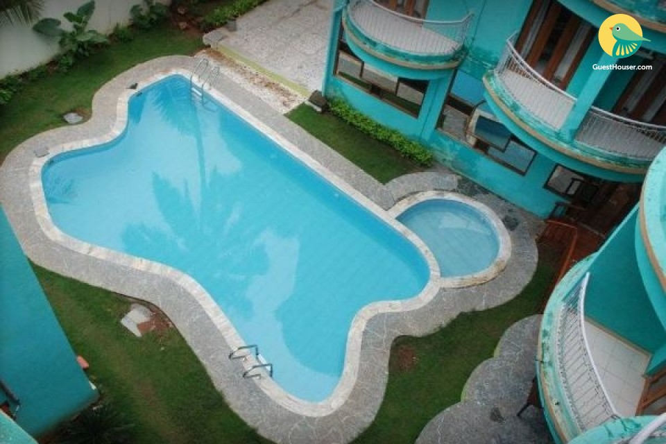 Commodious apartment for a group retreat, 1.2 km from Candolim beach