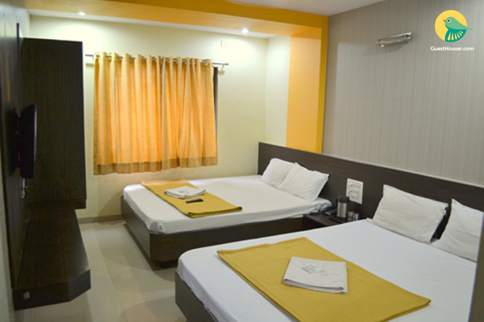 A Pleasant Stay in Spacious & Luxirious Rooms