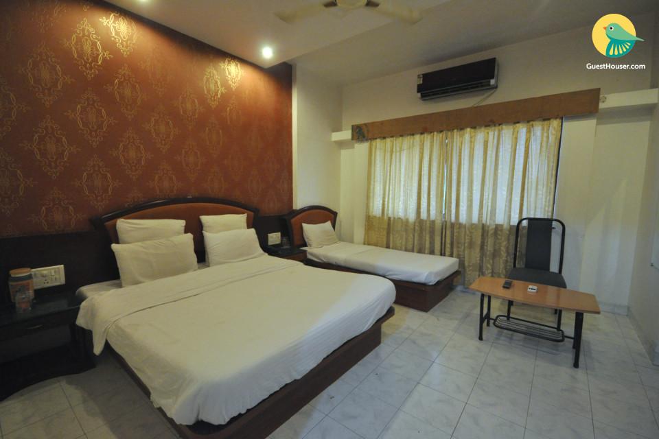 Well-furnished room for 4 near Sai Samadhi Temple