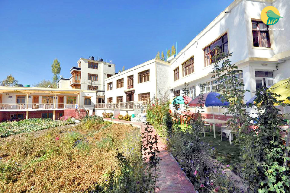 Rejuvenating abode in greenery, ideal for nature lovers
