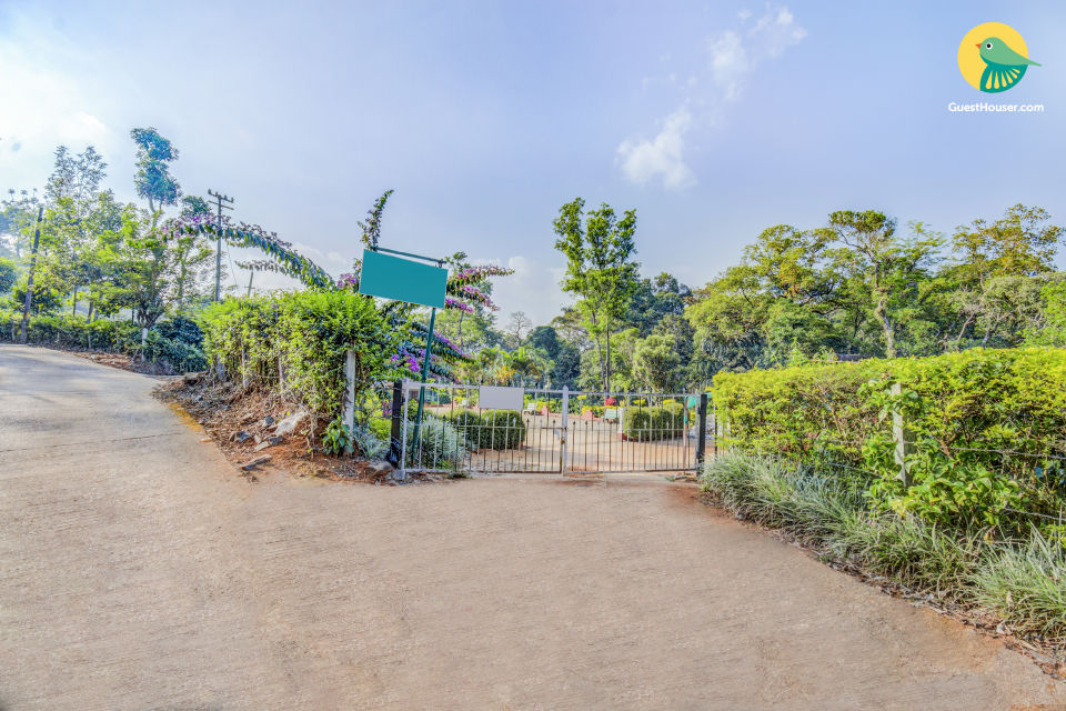 3-bedroom homestay with a well-tended garden, close to Nalknad Palace