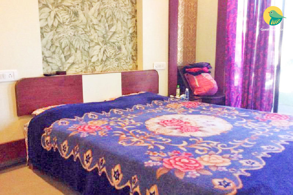 Well-appointed room for two, 1 km from Calangute beach