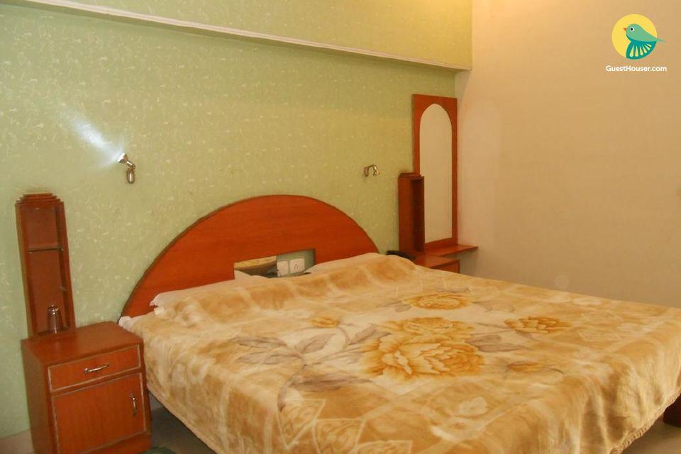 Private room near Taj Mahal