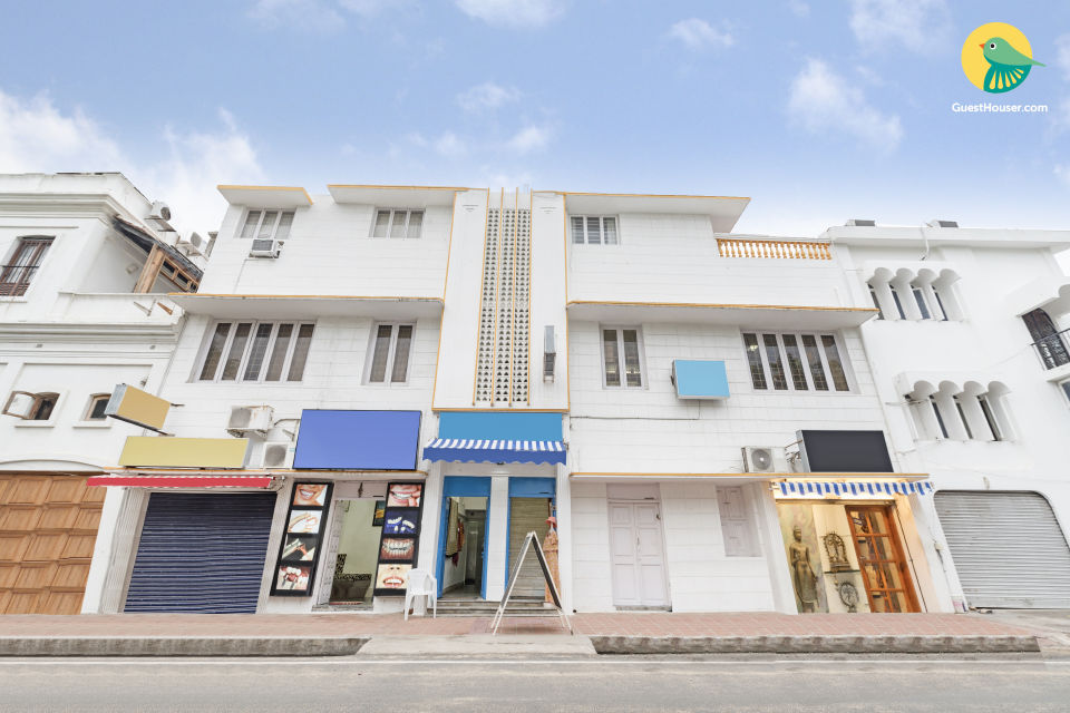 10-BR stay near Promenade Beach