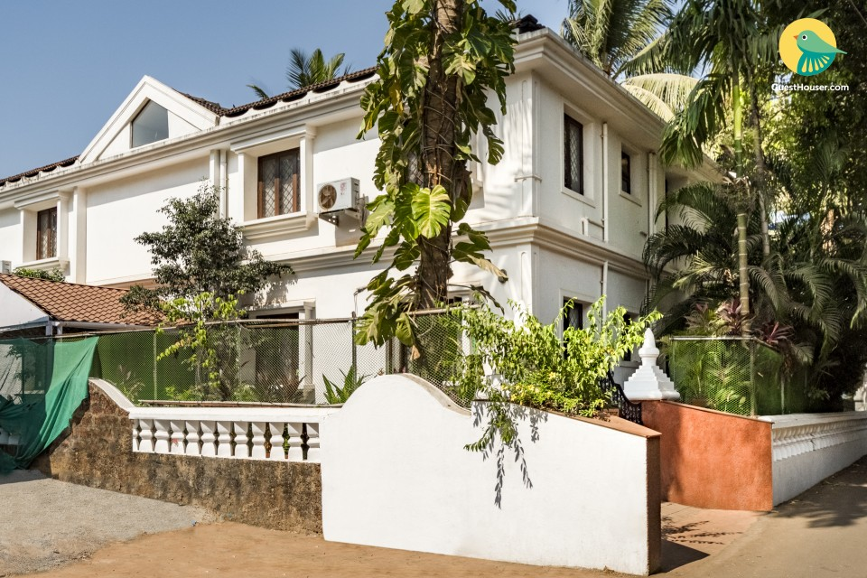 Contemporary-styled 1-BR apartment, 3 km away from Calangute Beach