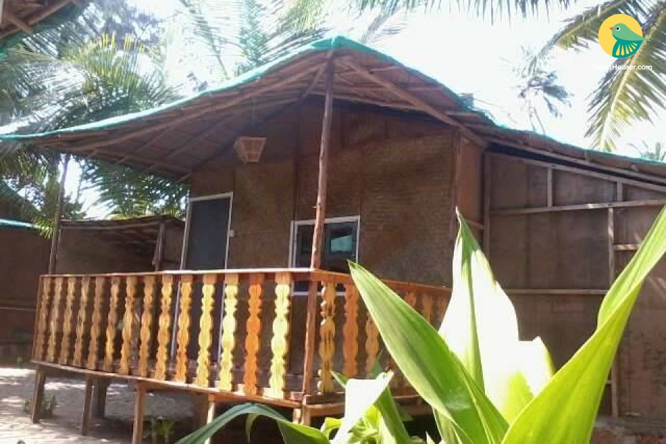 Commodious rustic hut stay on the serene Patnem beach