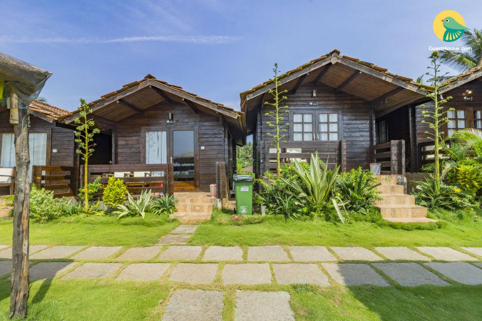 Sea-facing romantic cottage abode on Arambol Beach