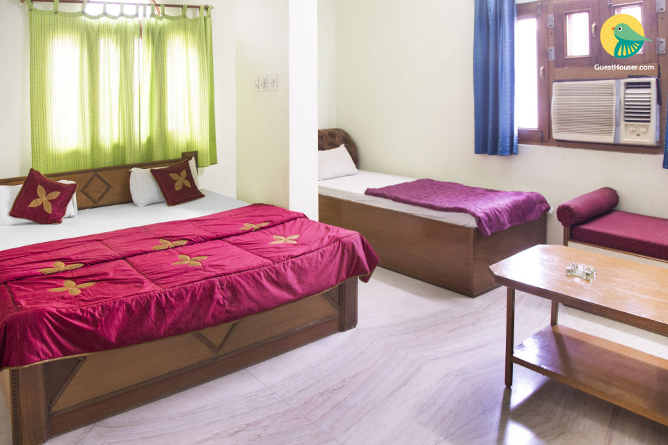 Heritage retreat for 4, near Jal Mahal