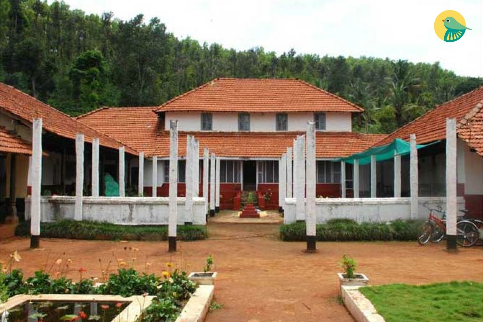 A capacious 4 bedroom home-stay for groups