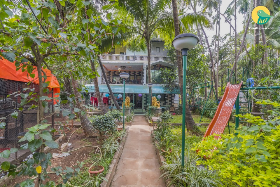 Restful cottage room for six, 400 m from Nagaon Beach