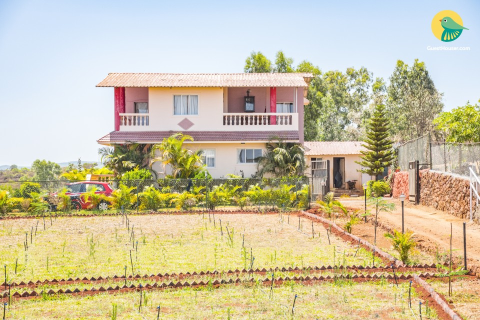 Pastoral 4-bedroom bungalow, ideal for a group getaway