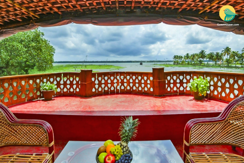 2-BR houseboat for four