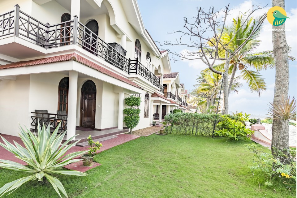 Idyllic stay for a couple, close to Vembanadu Lake