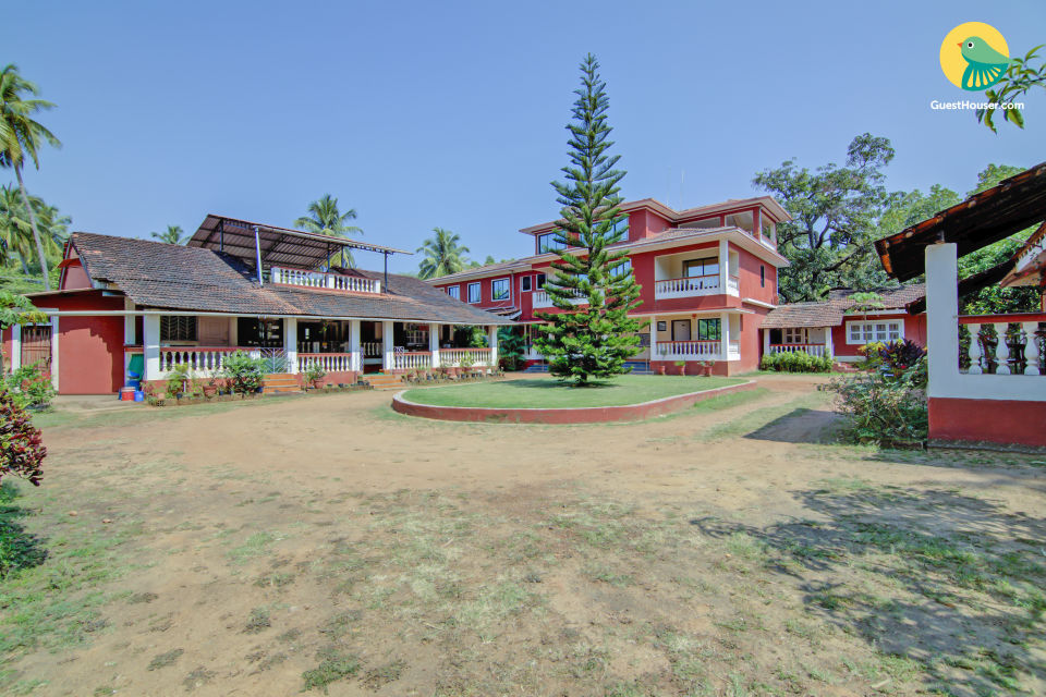 Well-appointed room in a villa, 2.3 km from Anjuna Beach