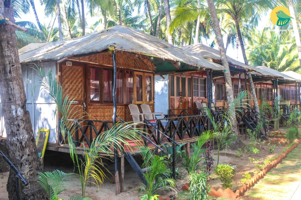 Seaside room in a thatched-roof cottage, 750 m from Palolem beach
