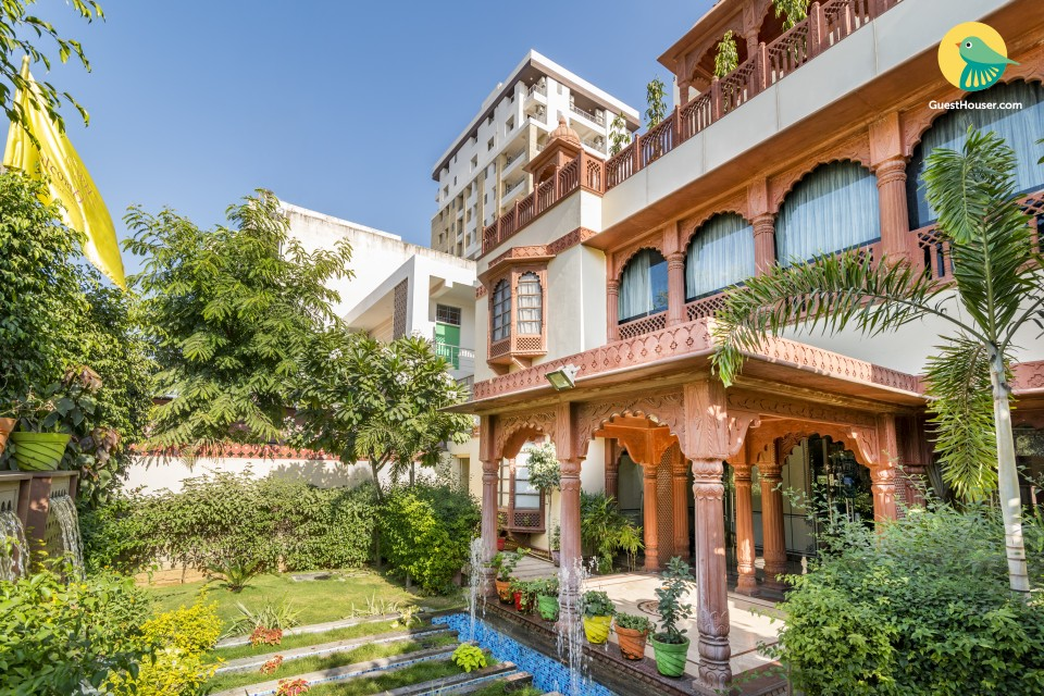 Exquisitely done stay for a couple, close to Hawa Mahal