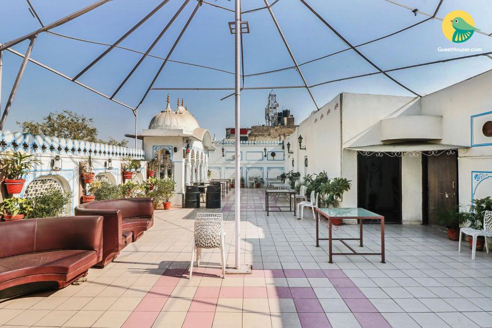 Idyllic accommodation for four, near Rajput Palace