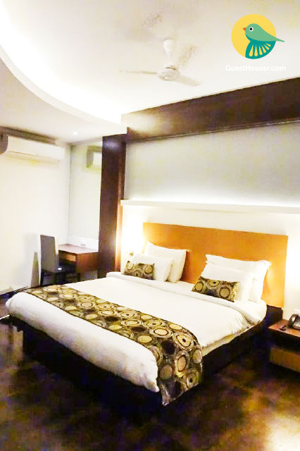 Stay in a Luxurious Guest House