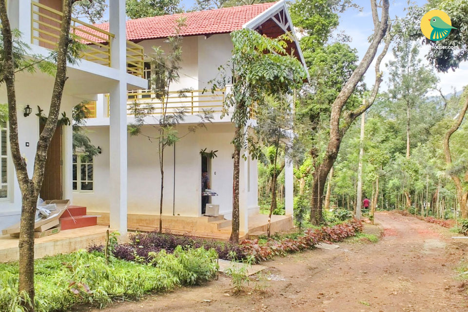 Urban Villa in Coffee Plantation