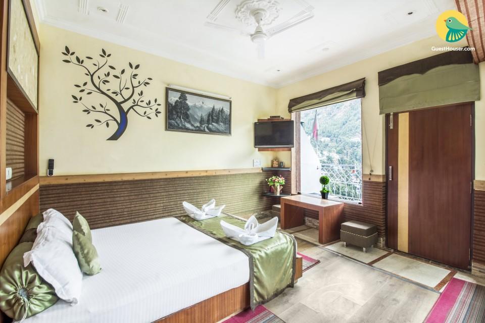 Idyllic abode for three, near Bhagsu Waterfall