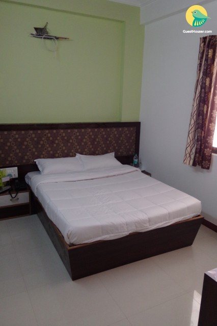 Boutique room for 3 near bus station