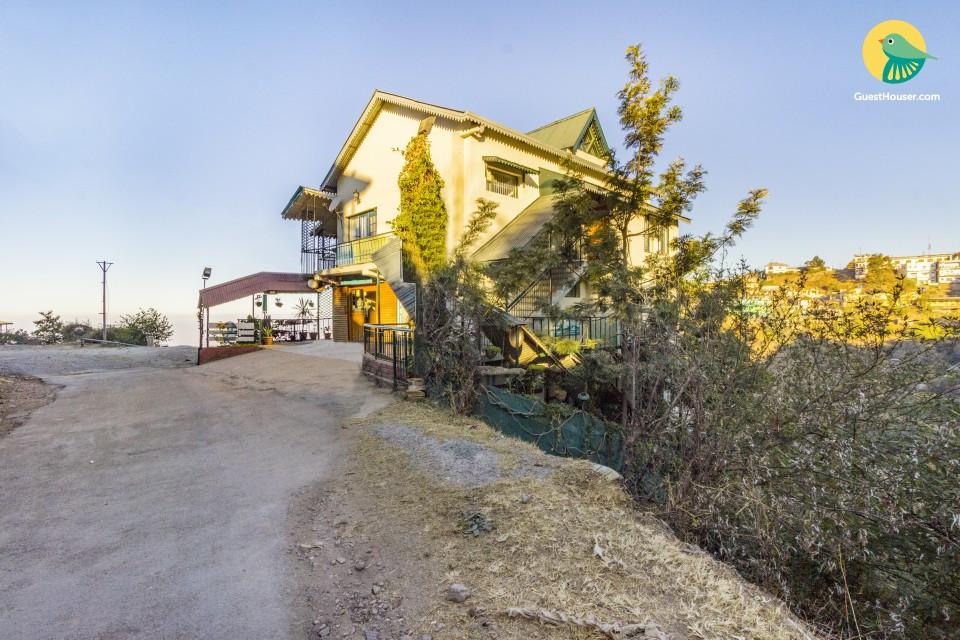 Hillside cottage for six