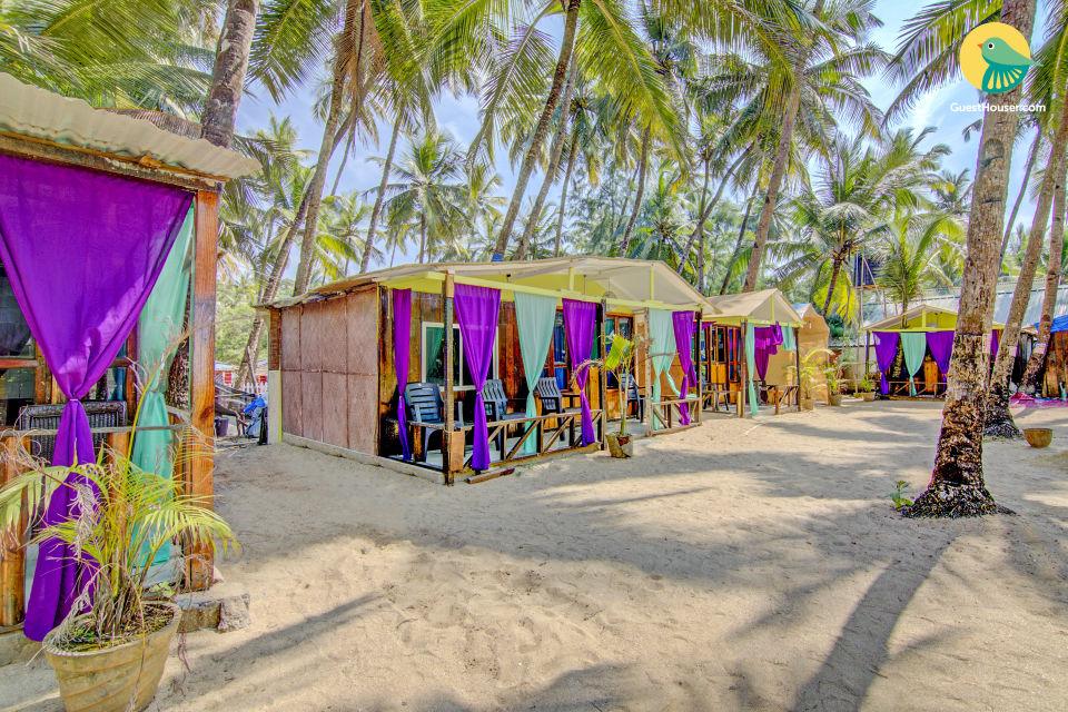 Beachfront hut on Palolem beach, ideal for a romantic getaway