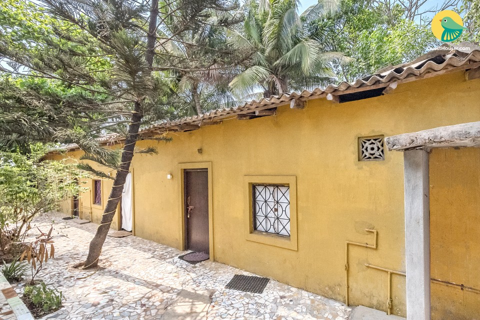 Cosy private room for three, just besides Anjuna Beach