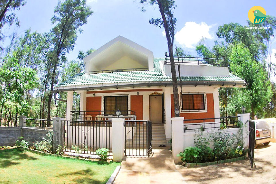 Commodious 4-BR bungalow for large groups in Panchgani