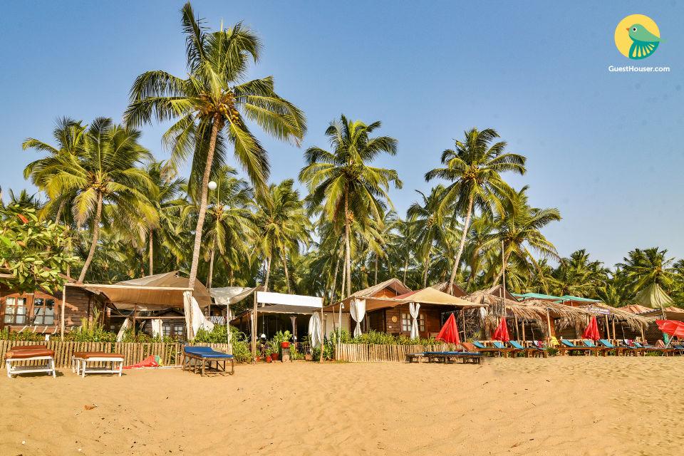 Pet-friendly romantic rustic hut on Agonda beach
