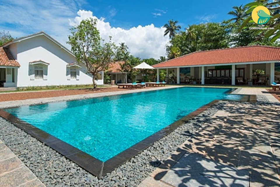 A 6 bedroom villa to stay