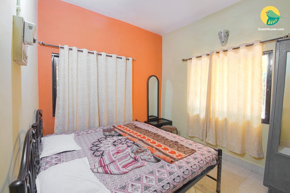 Cosy guest house stay for two, near Calangute Beach