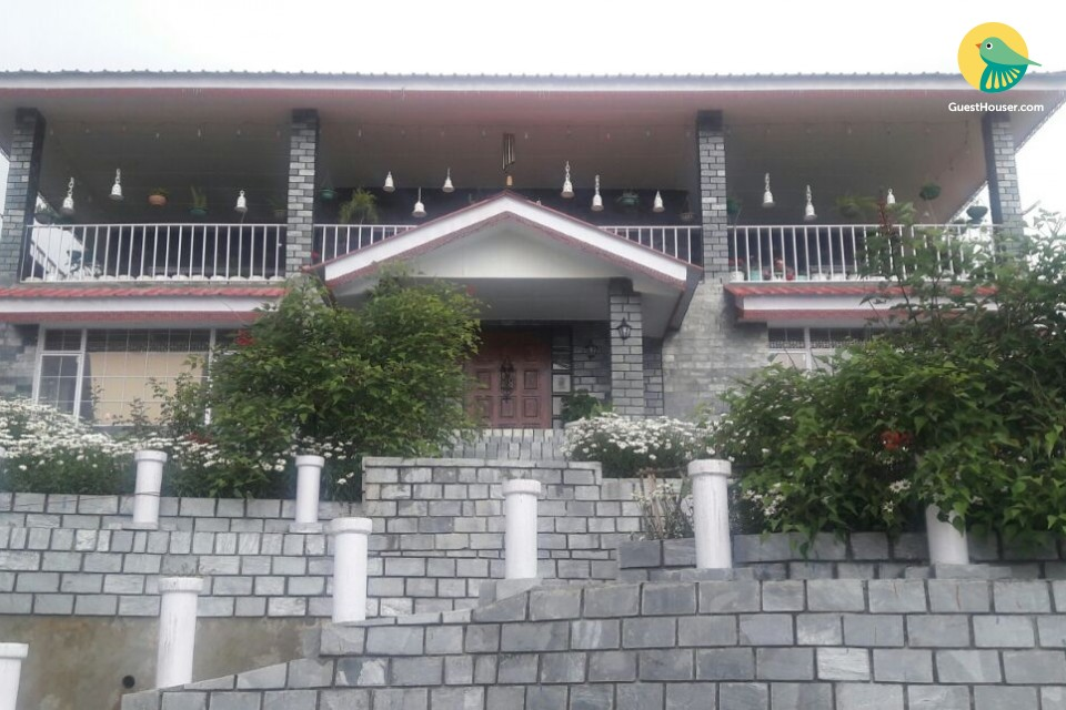 Homestay in serene surroundings, ideal for small groups