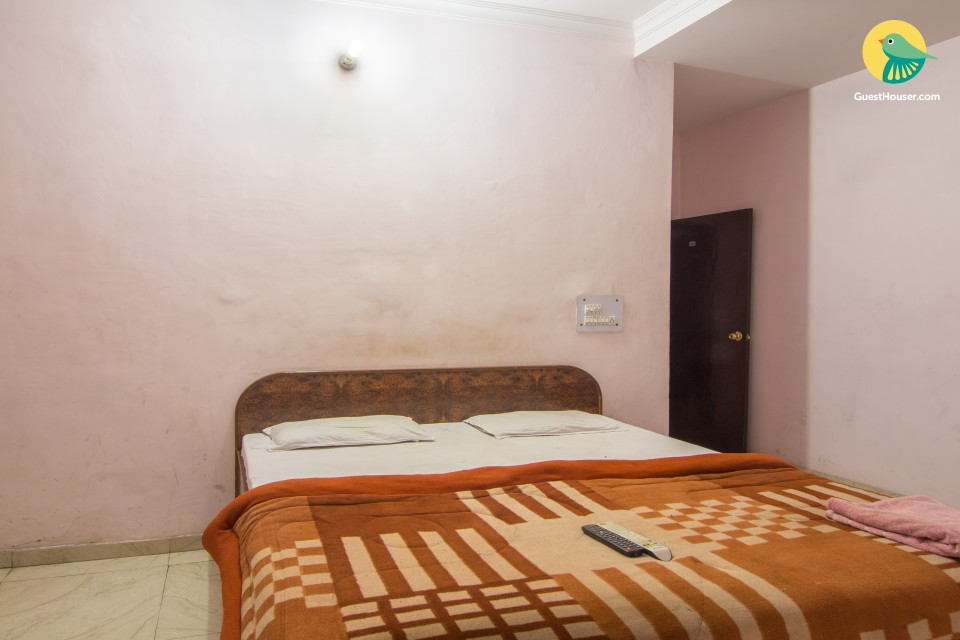 Rooms for guests near airport