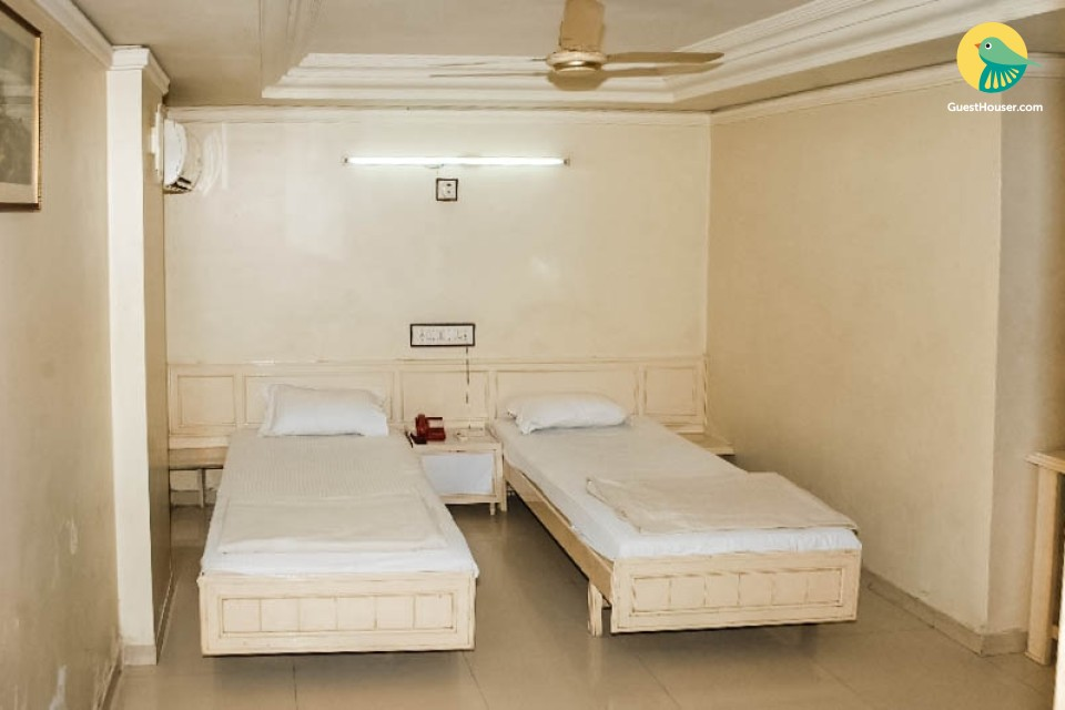 Twin-bedded guest house room