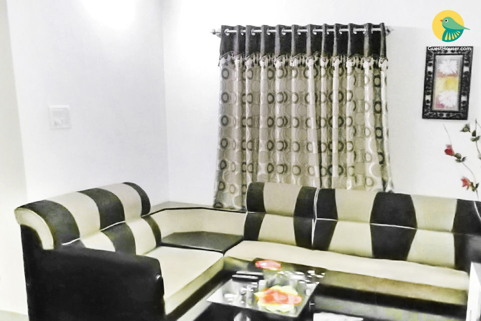 Well-furnished 2-BR apartment for a small group