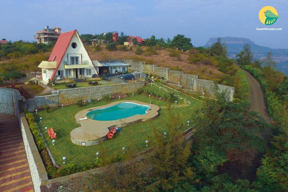 Hilltop 4-BR pool villa, ideal for a lavish vacation