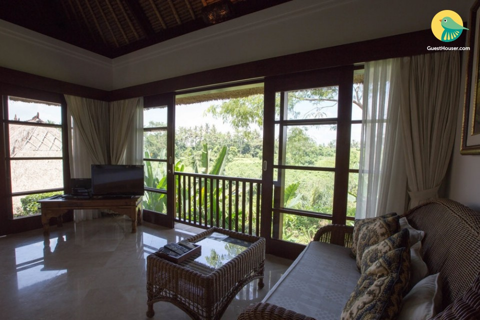 Valley view villa to stay