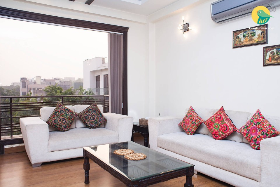Eclectic 3BHK stay in South Delhi, ideal for a family