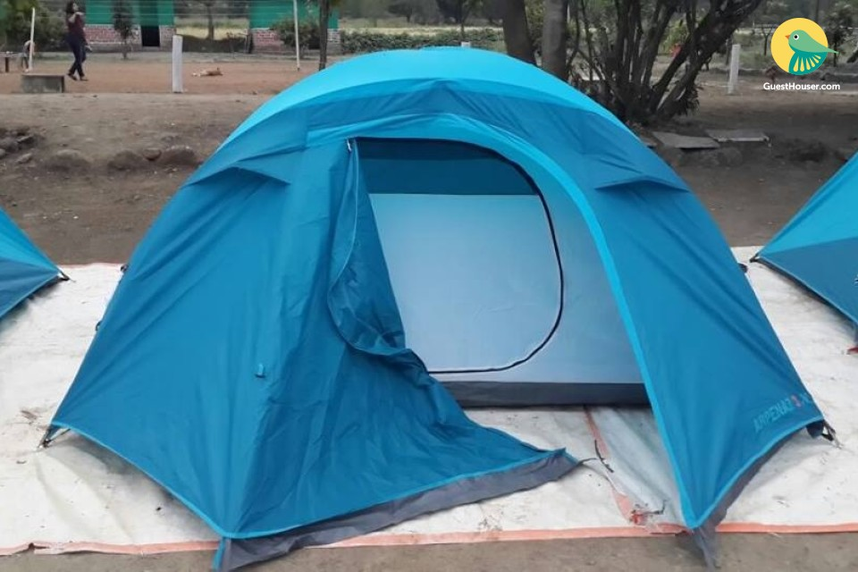 Capacious tent for three, ideal for adventure enthusiasts