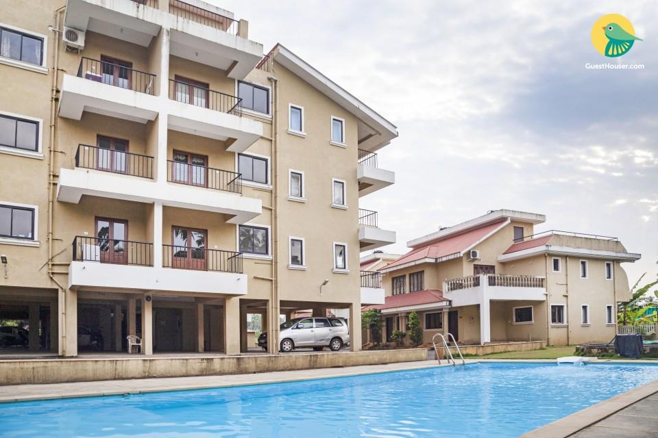 Opulent apartment with a pool, near Baga Beach