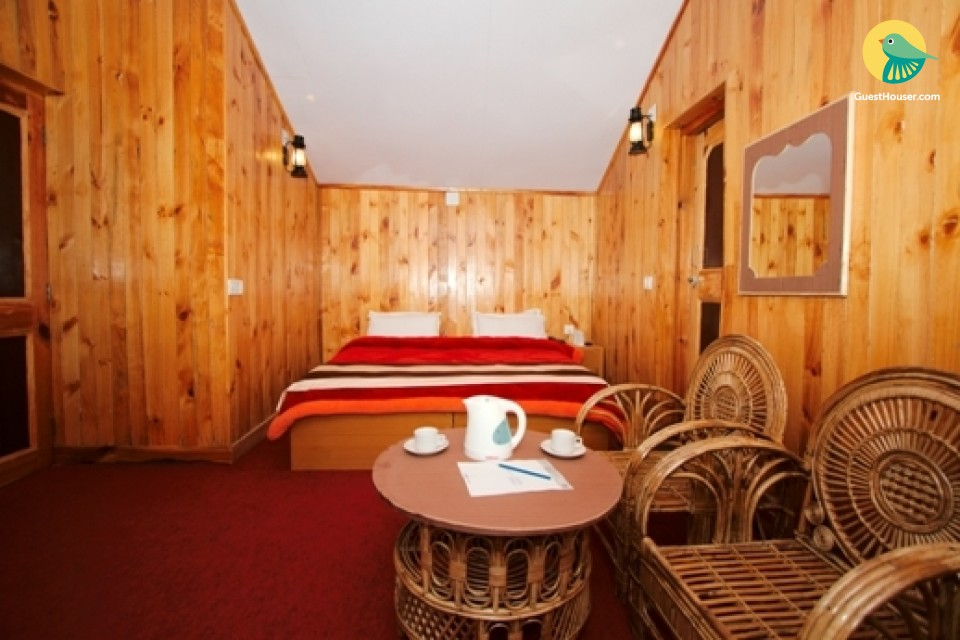 Well-furnished 2-BR cottage for those seeking serenity