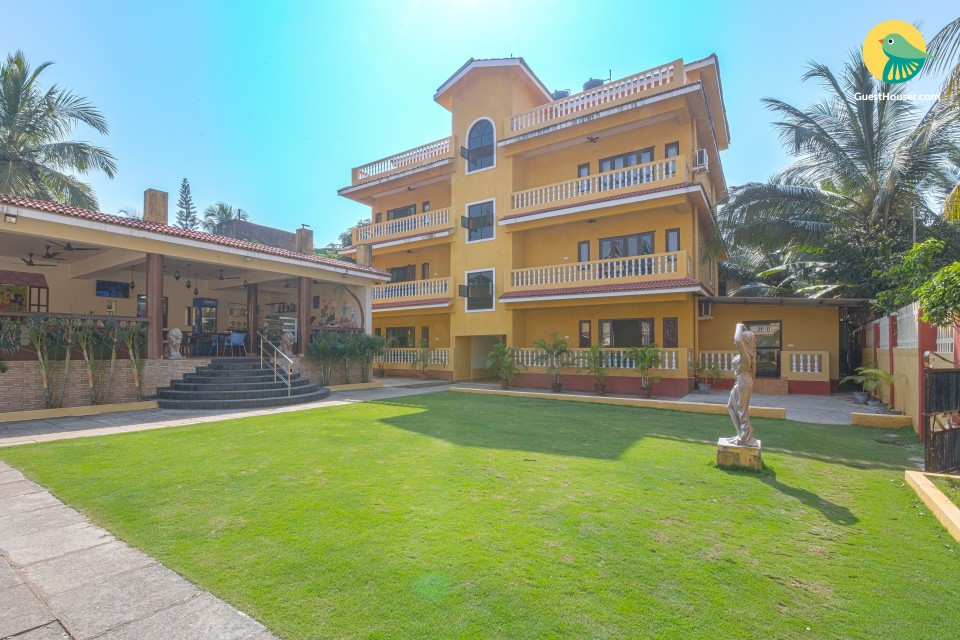 Vibrant 1-bedroom apartment, 900 m from Calangute beach