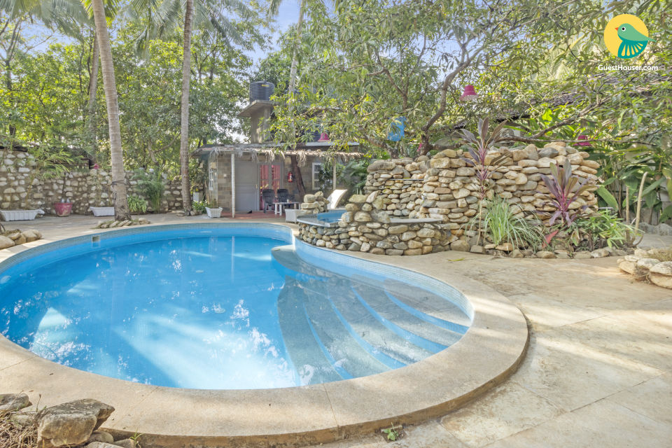 Elegant 3-BR villa with a pool, ideal for large groups