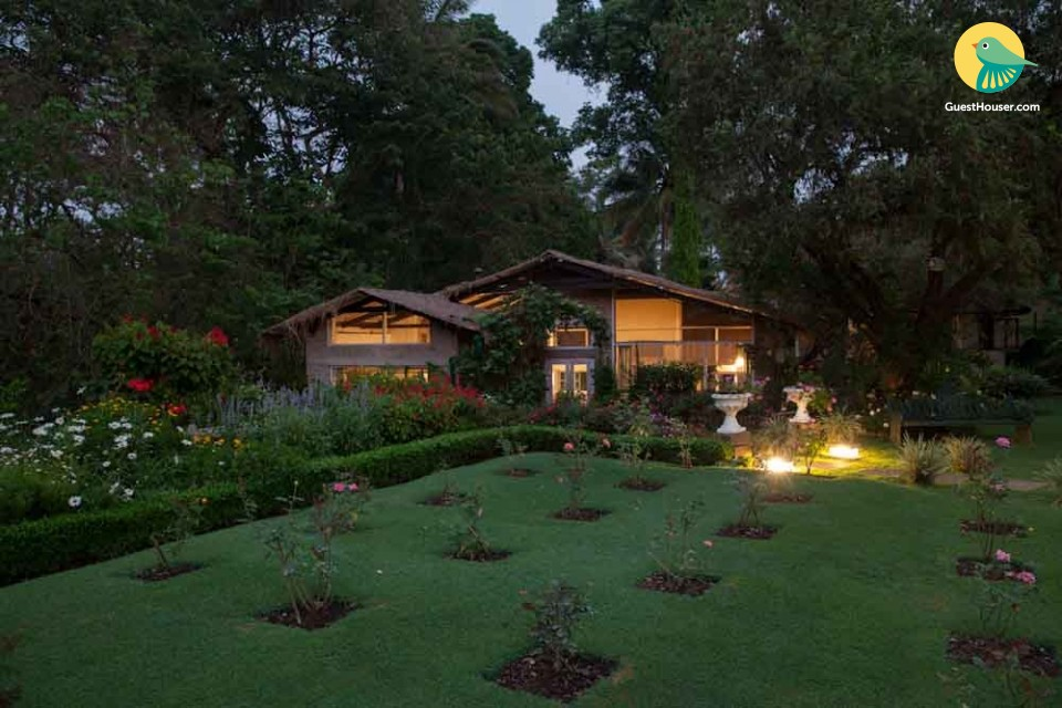 Colonial-style 4-BR stay, ideal for a luxurious weekend getaway