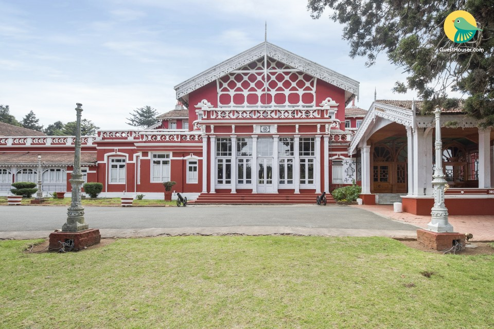 Heritage room with a colonial charm, 450 from Avalanche Ooty