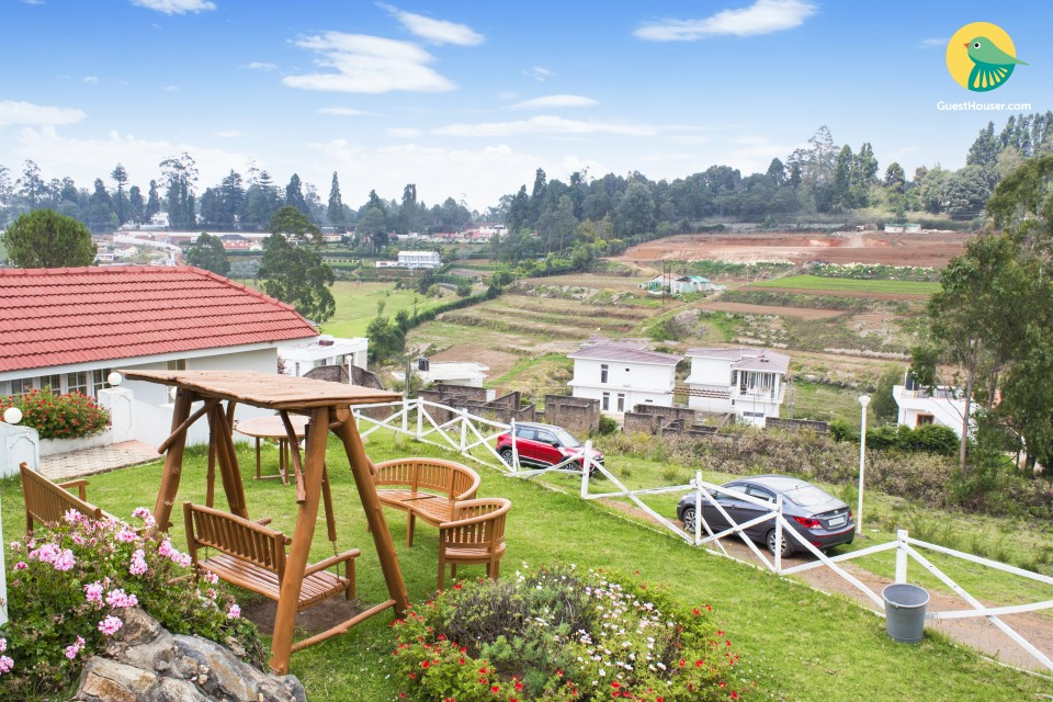 Charming cottage with classy interiors, close to Ooty Lake