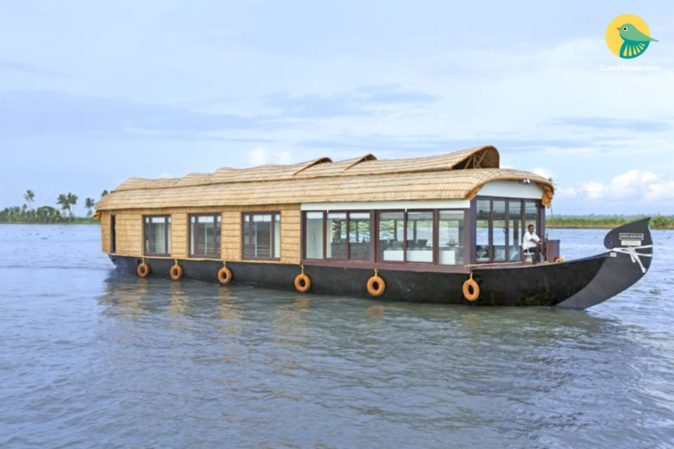 Affluent 6-bedroom houseboat in serene environs
